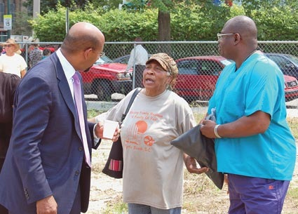 Mayor Nutter and Hawthorne residents